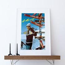 Skifahrerin mit St. Moritz-Wegweiser